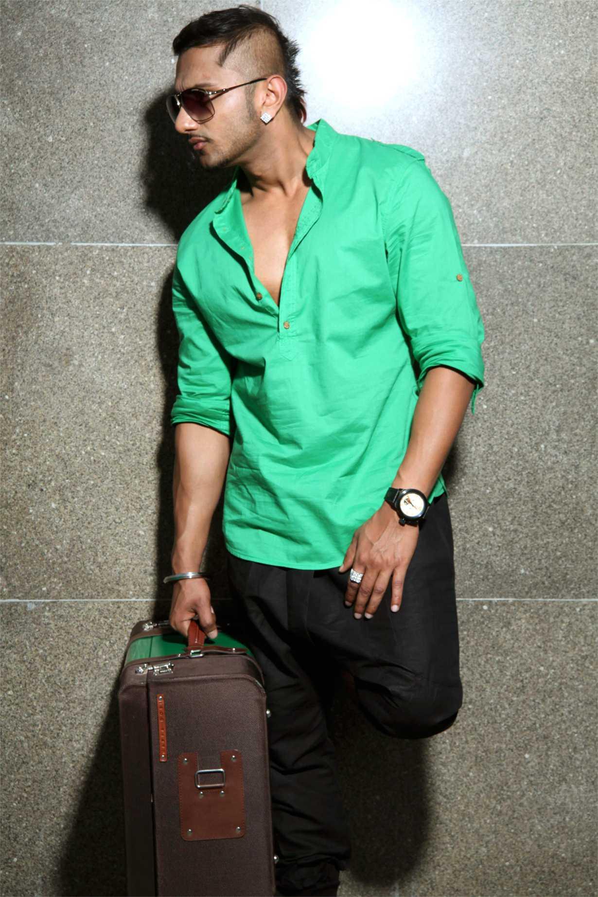 """India's Rapstar """" Yo Yo Honey Singh"""" Top Ten Songs Video ..."""